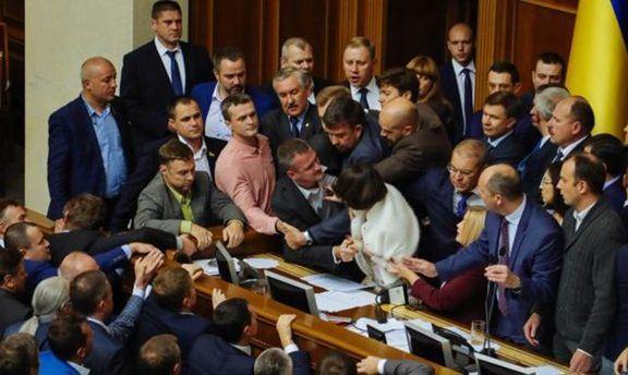 Парубій підписав президентський закон про особливий статус Донбасу