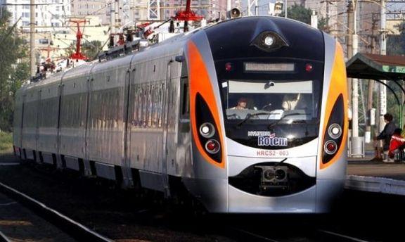 З поїзда Перемишль - Київ висадили 30 пасажирів