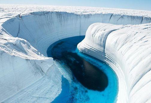 Блакитна річка в Гренландії