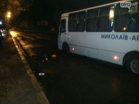 Автобус у Миколаєві збив двох пішоходів насмерть