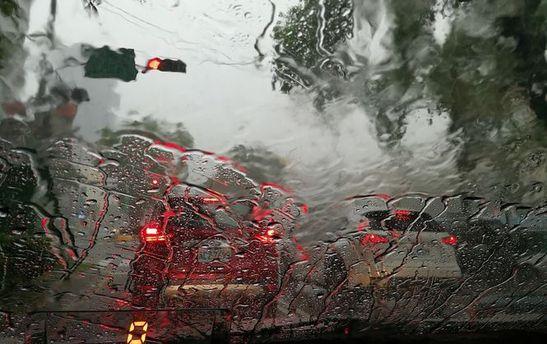 В Одессе вторые сутки подряд идет дождь