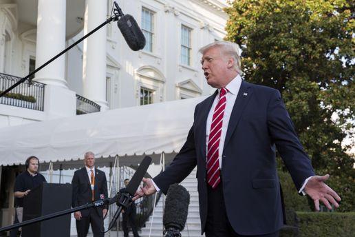 Трамп взявся за Green Card: у Білому домі озвучили жорстку заяву