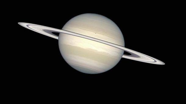 В кольцах Сатурна нашли