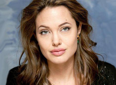 Анджелина Джоли подверглась нападениям от Гарви Вайнштейна
