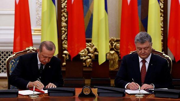 Реджеп Тайип Эрдоган во время встречи с Петром Порошенко в Киеве