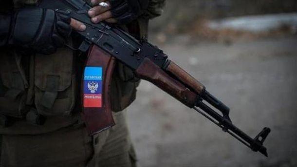 На Луганщині виявили поховання бойовиків