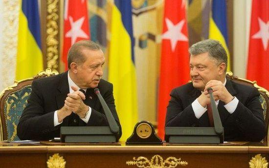 Зустріч Порошенка і Ердогана: російські ЗМІ назвали президента Туреччини
