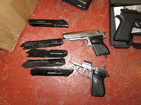 У Дніпрі нацгвардієць з товаришами торгував зброєю