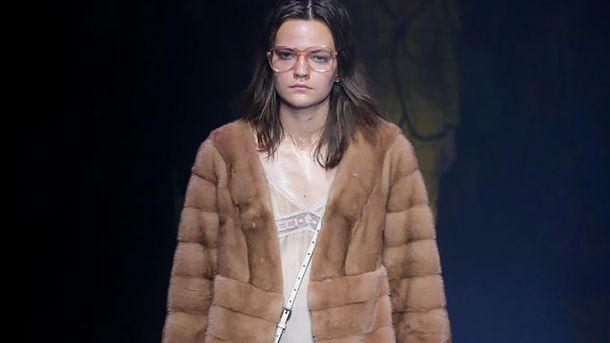 Gucci отказывается от натурального меха в своих коллекциях