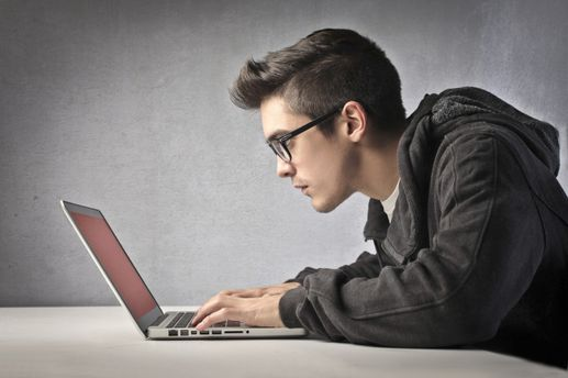 Навчання кібербезпечників: застарілі програми і проблеми зі спеціалізацією