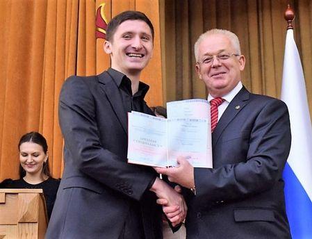 Студентам-медикам оккупированного Донецка вручили дипломы Ставропольского университета