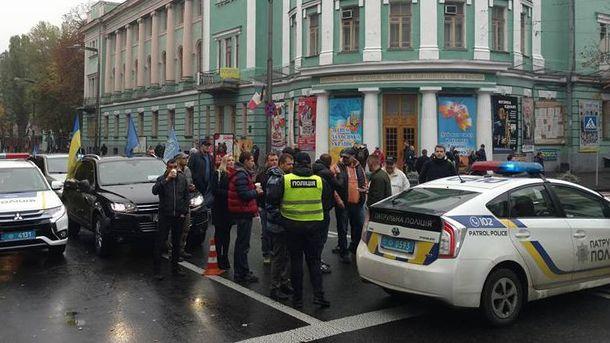 Автомайдановцы и полиция в Киеве