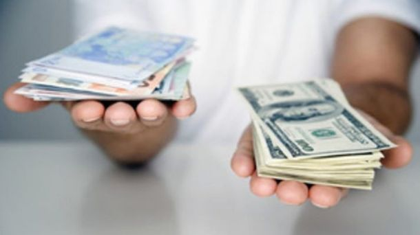 Наличный курс валют 17 октября: евро и доллар синхронно падают