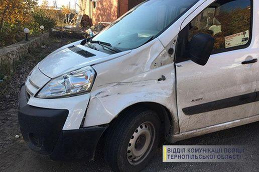 В Тернополе автомобиль сбил патрульную при исполнении служебных обязанностей