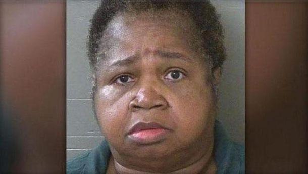 У США 150-кілограмова жінка задушила дівчинку, сівши на неї