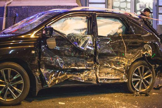 ДТП в Харкові 18 жовтня: факт про авто Lexus, яке наїхало на людей