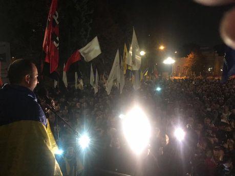 Залишилися тільки двоє: з-під Ради пішли майже всі учасники протесту