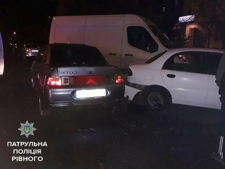 В Ровно нетрезвая водительница разбил припаркованные авто