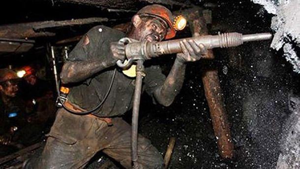 ВМинэнергоугля рассчитывают наследующей неделе погасить задолженность по заработной плате шахтерам