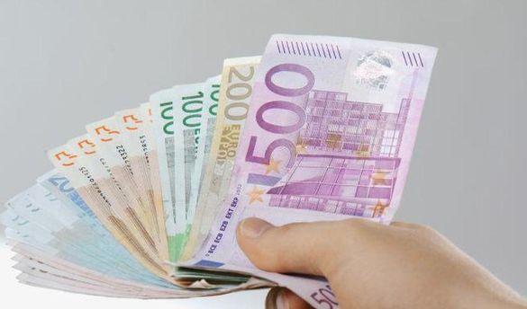 Наличный курс валют 23 октября: гривна ползет вверх