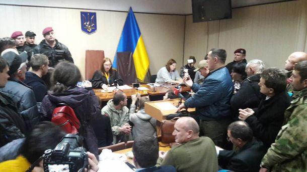 Активисты забаррикадировались вСвятошинском суде— Дело лидера ОУН