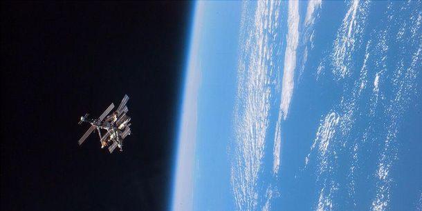 Советский спутник сошел с орбиты и сгорел в атмосфере Земли