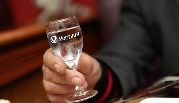 Ученые узнали, что спирт помогает лучше говорить наиностранных языках