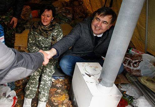Саакашвили живет в палатке под Радой