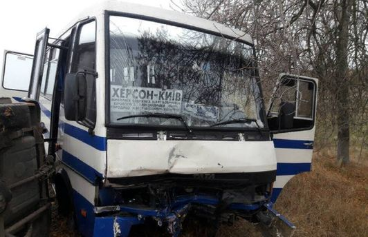 Авария с рейсовым автобусом произошла на Николаевщине
