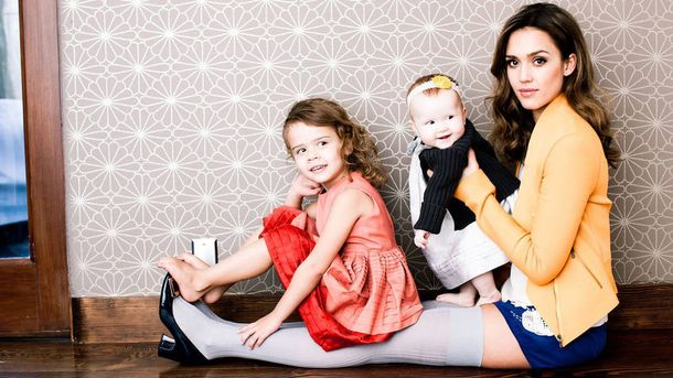 Джессика Альба официально подтвердила пол третьего ребенка