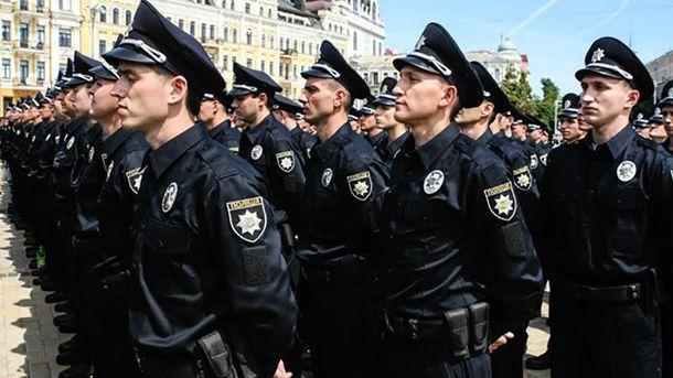 В Николаеве двое полицейских устроили драку