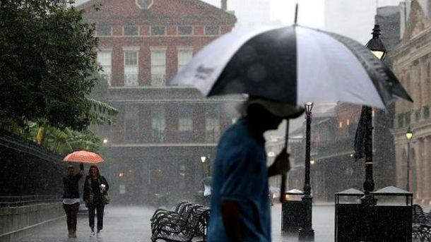 Погода на 28 жовтня: вихідні почнуться з дощів і злив по всій Україні
