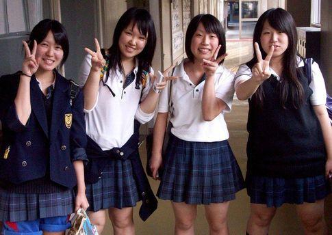 Японская школьница судится за цвет своих волос