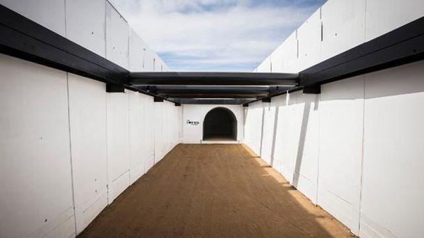 Тестовий тунель The Boring Company, що починається на парковці SpaceX