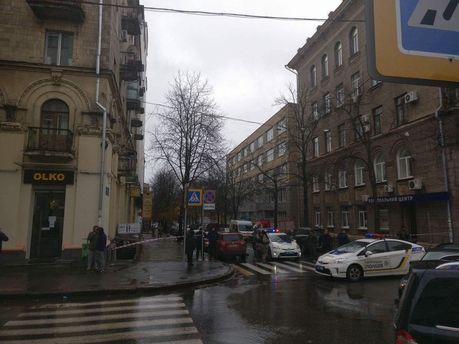 Поліція оточила територію, де НАБУ проводить обшуки