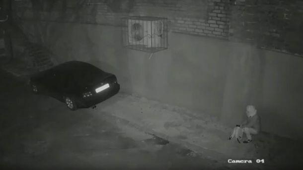 Задержанная  закладывает взрывчатку в авто Хараберюша