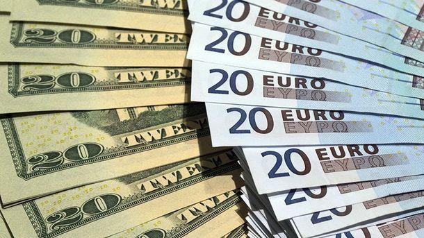 Курс доллара вУкраинском государстве устремился кпсихологической отметке