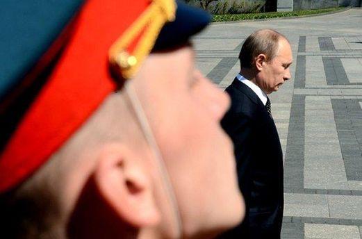 Экс-директор ЦРУ рассказал о решении Обамы не вооружать Украину