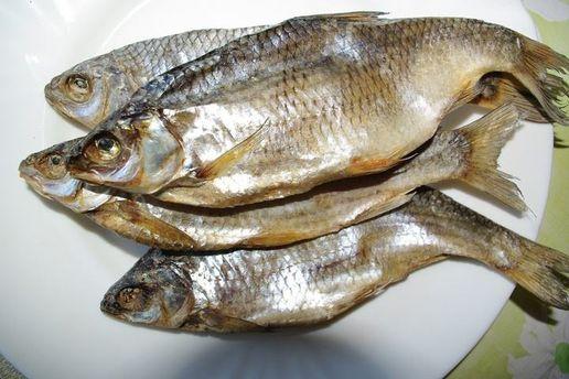 Двое запорожцев находятся вреанимации из-за рыбки сикрой