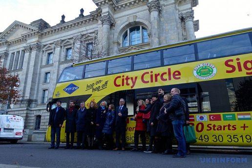 В Германии в экскурсионных автобусах заработали украинские аудиогиды