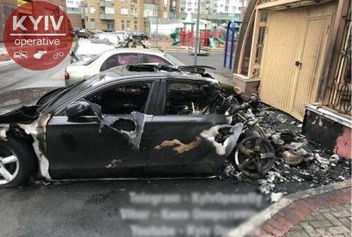 Сгорело авто водителя Пивоварского фото