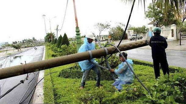 Во Вьетнаме бушует разрушительный тайфун