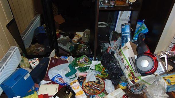 Речі у квартирі чоловіка було перевернуто