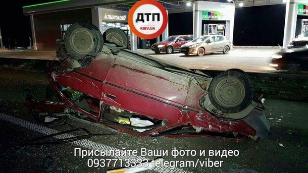 Під Києвом сталася серйозна ДТП: рух перекрито (відео)