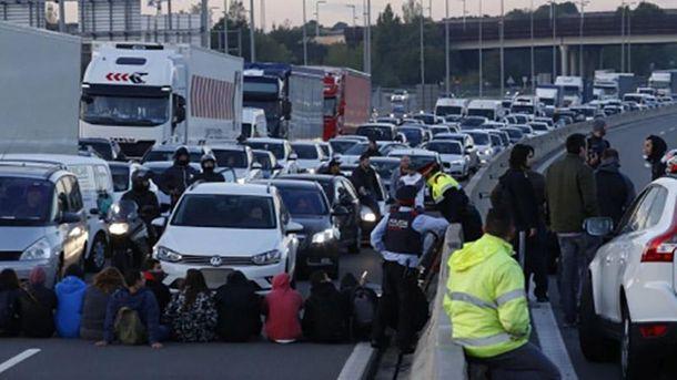 Мітинги в Каталонії: люди перекрили дороги