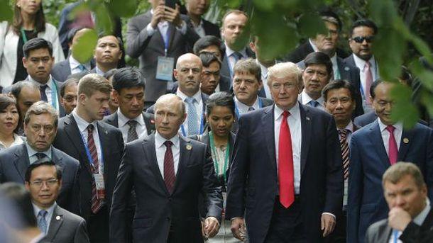 Заява Трампа про довіру Путіну демонструє небачену слабкість президента США