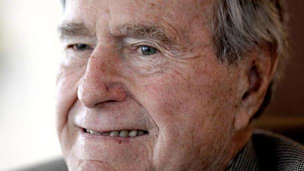 Услід за Вайнштейном та Спейсі: екс-президент США Буш опинився в центрі секс-скандалу