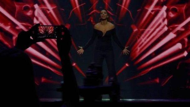Соцмережі обурив київський виступ Ані Лорак відразу після нагородження вКремлі (відео)