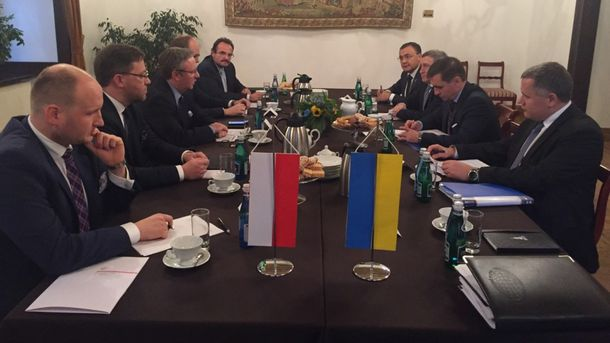 Зустріч Україна-Польща у Кракові: про що домовилися дипломати обох країн