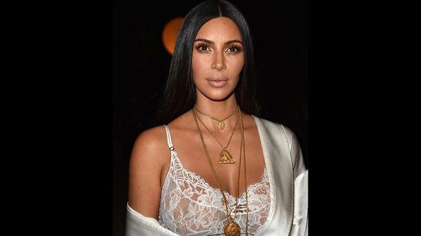 Из-за тайны сестер Ким Кардашьян выпила смузи изсардин